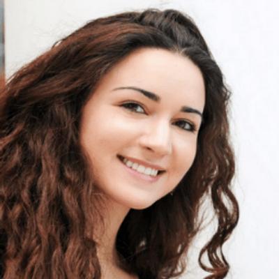 Roxanne Varza
